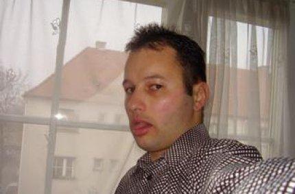 Profil von: latinoboy97 - wachs beine, schwule sexorgien